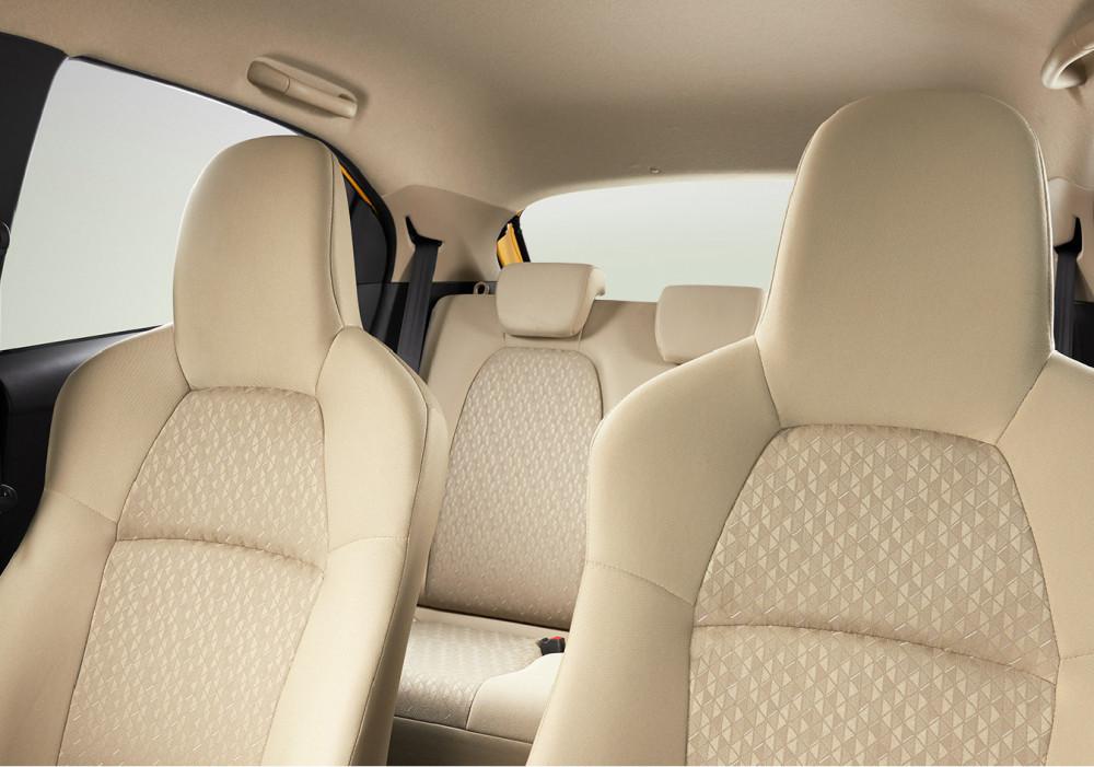 07 2rd Row Adjustable Headrest (SATYA)